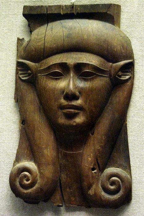 Богиня Хатхор. Кедровое дерево. 4 в. до н.э. Нью-Йорк, Музей Метрополитен.
