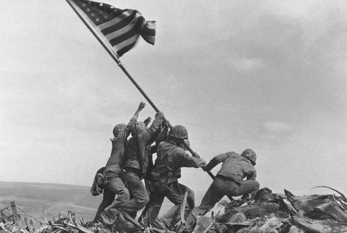 Не факт: флаг на Иводзиме.