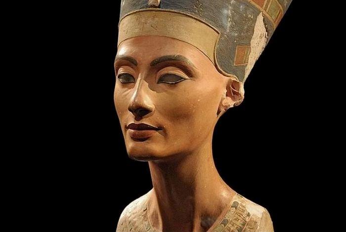 Не факт: мумия Нефертити.