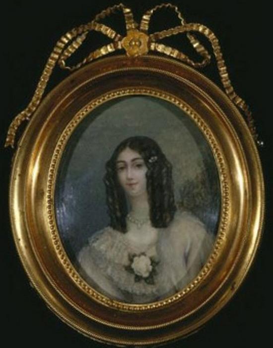 Медальон с портретом Мари Дюплесси. / Фото: mirtesen.ru