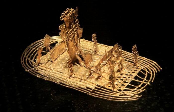 Инициация нового «зипа» (правителя) на озере Гуатавита.