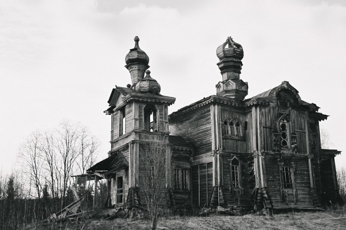 Разрушенная церковь Святого Елисея.