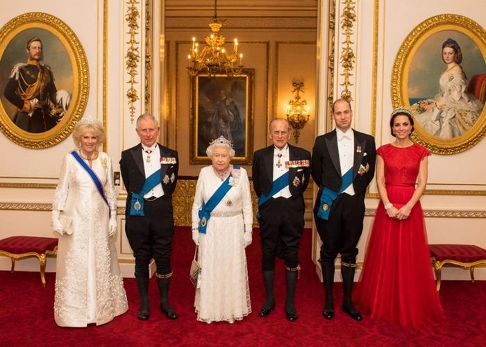 Три поколения монархов. / Фото: woman.ru