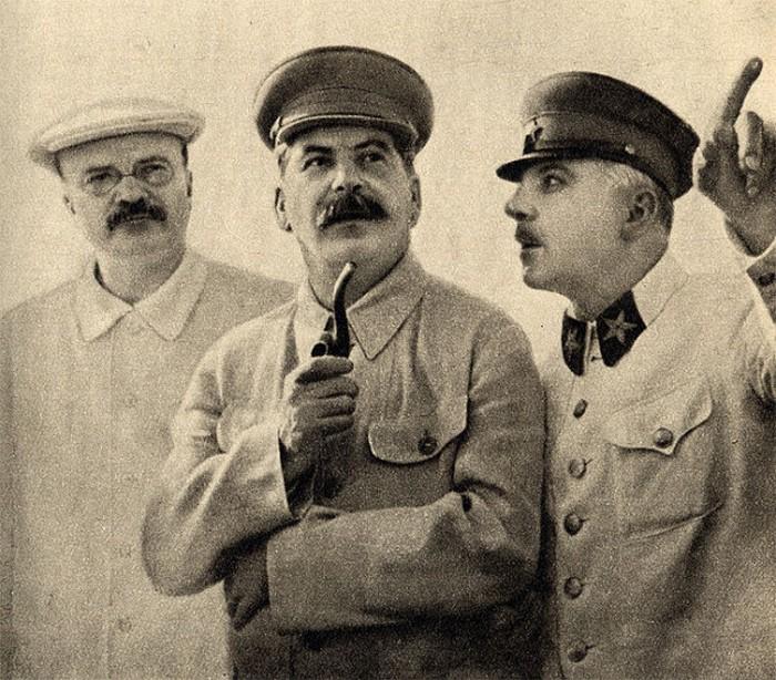 Большевики, сами того не желая, спасли яйца Фаберже.