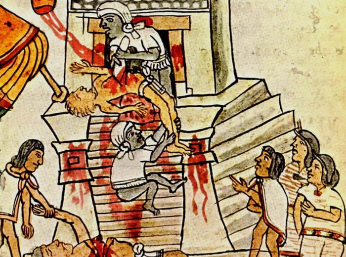 На вершине Великого Храма приносили в жертву женщин, стариков и детей.