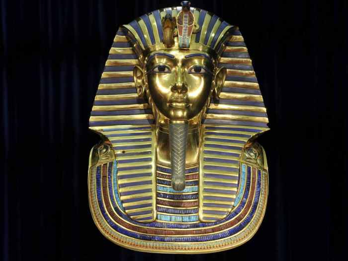 Золотая маска Тутанхамона.