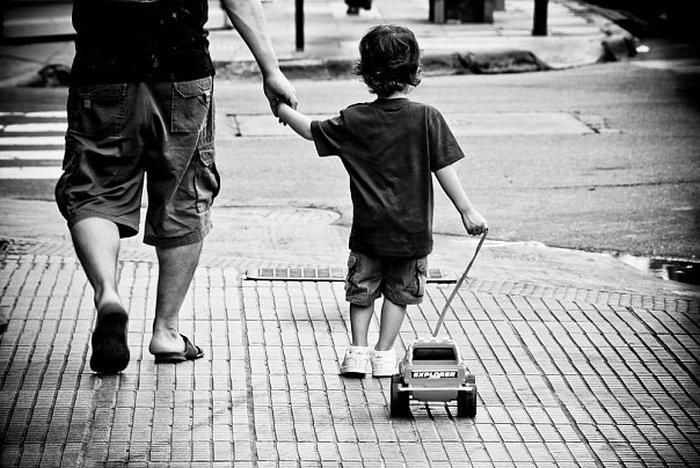 Отец рядом - это так важно.
