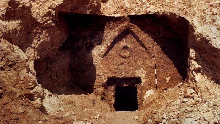 Судебные иски в библейской археологии.