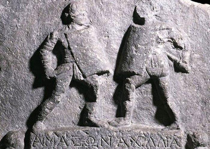 Мраморная табличка, посвящённая женщина-гладиаторам.
