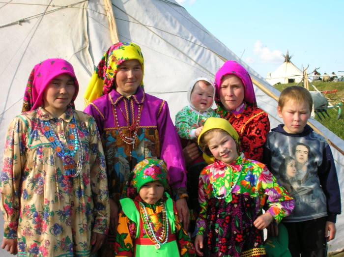 Современные представители финно-угорских племён.