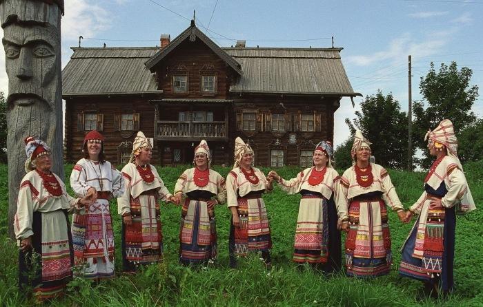 Финно-угорский самодеятельный коллектив из Ленинградской области.