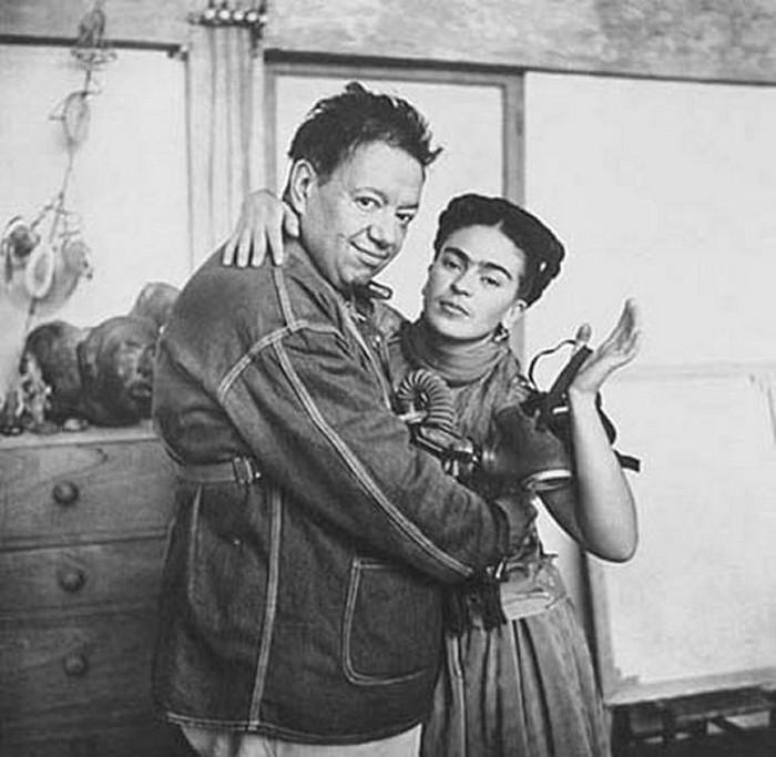Фрида Кало с супругом.