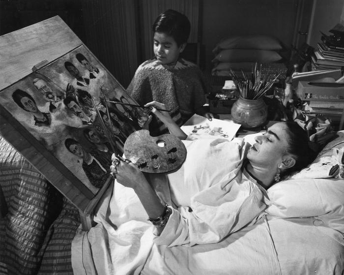 Фрида Кало, прикованная к постели.