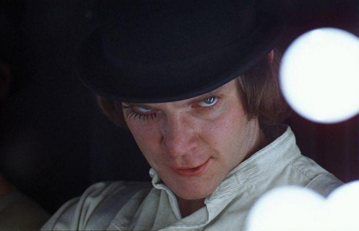 Кадр из фильма «Заводной апельсин», режиссер Стэнли Кубрик.