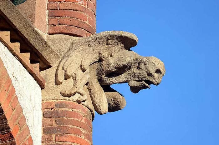 Гаргулья в Вестминстерском аббатстве в Лондоне.