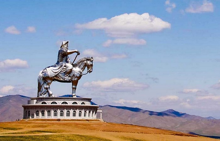 Могила Чингисхана.