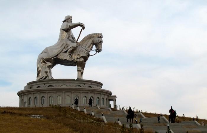 Могилу Чингисхана не нашли до сих пор./ фото: osimira.com