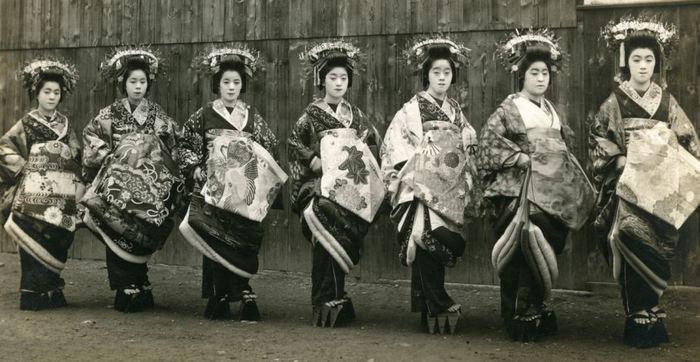 Токийские гейши. 1915 год.