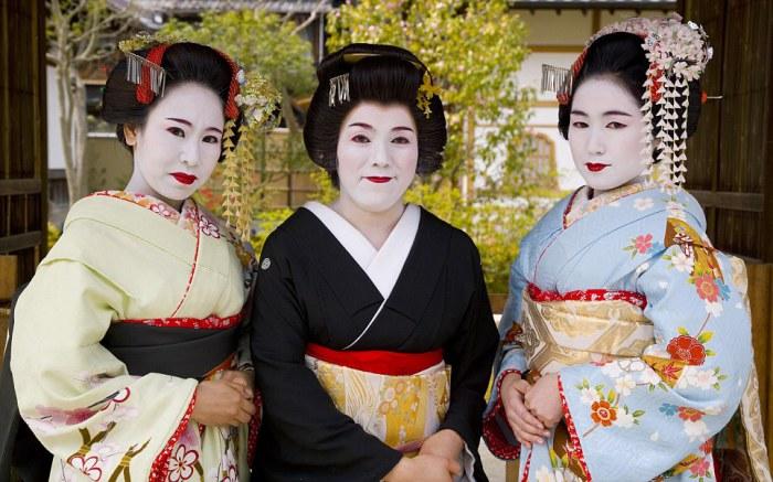 Современные гейши. 2006 год.