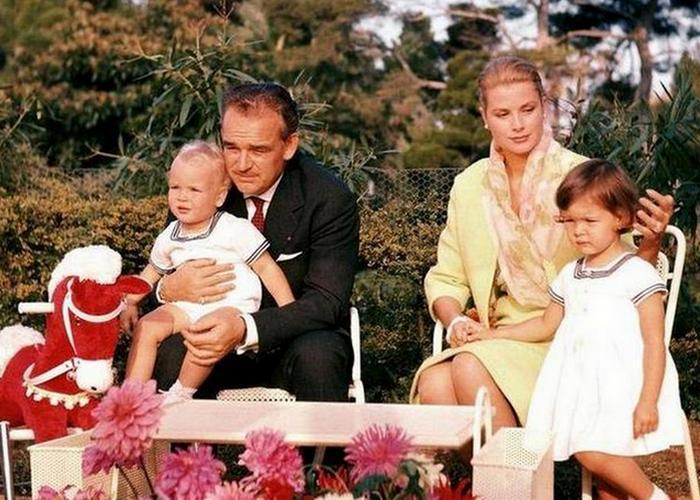 Счастливое семейство. / Фото: mirtrip.com