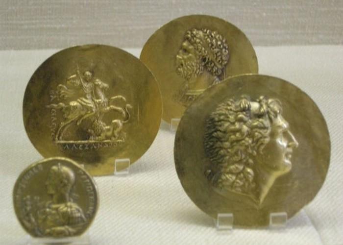 Монеты с изображением Александра Македонского.