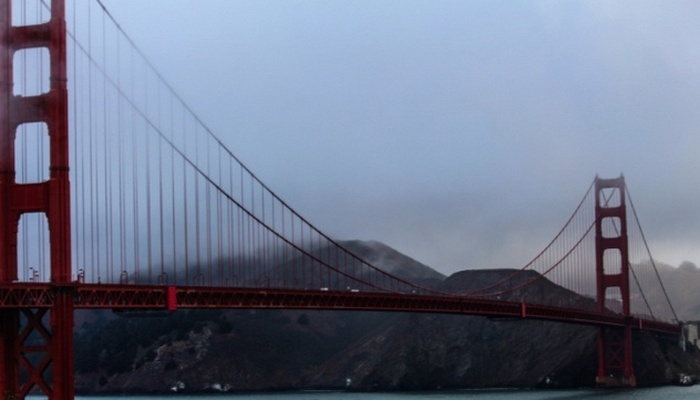 Цвет моста Золотые Ворота.