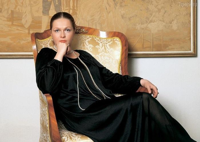 Наталья Гундарева:«Театр из Храма превращается в балаган. »