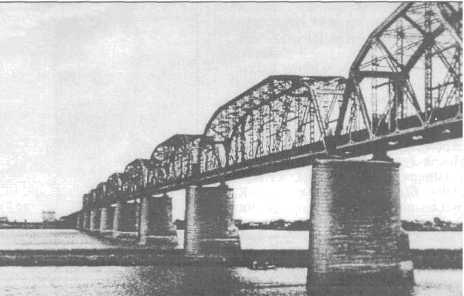 Мост над рекой Сунгари.