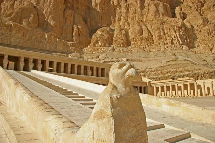 Храм царицы Хатшесуп.