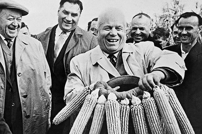 В СССР сеяли кукурузу, а Хрущёв предпочитал экзотические фрукты.
