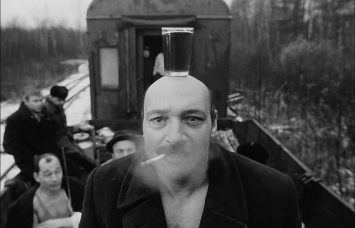 Кадр из фильма «Хрусталев, машину!», режиссер Алексей Герман.
