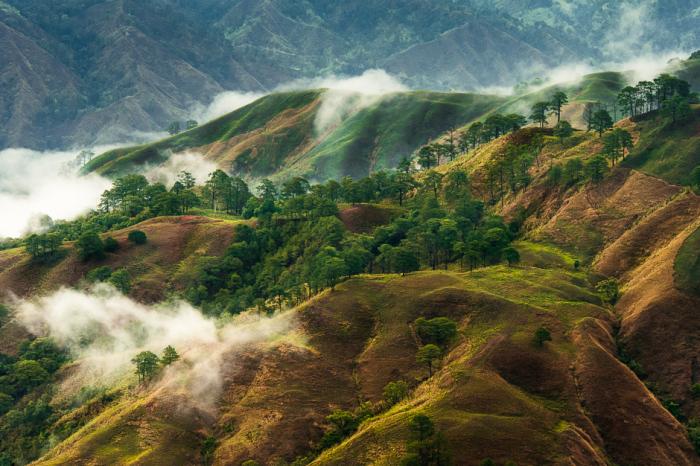 Величественные горы Кордильеры в филиппинской провинции Абра.
