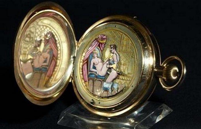 Невозможно поверить: викторианцы скрывали эротические образы в своих часах.