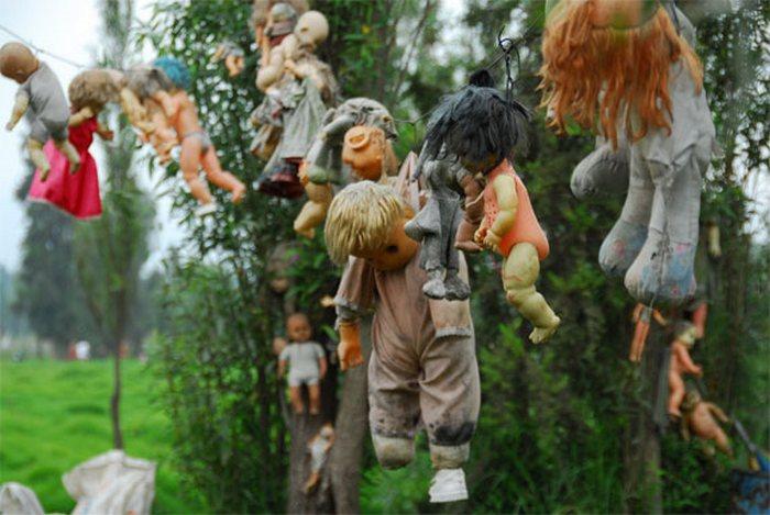 Жуткий Остров кукол на окраине Мехико.