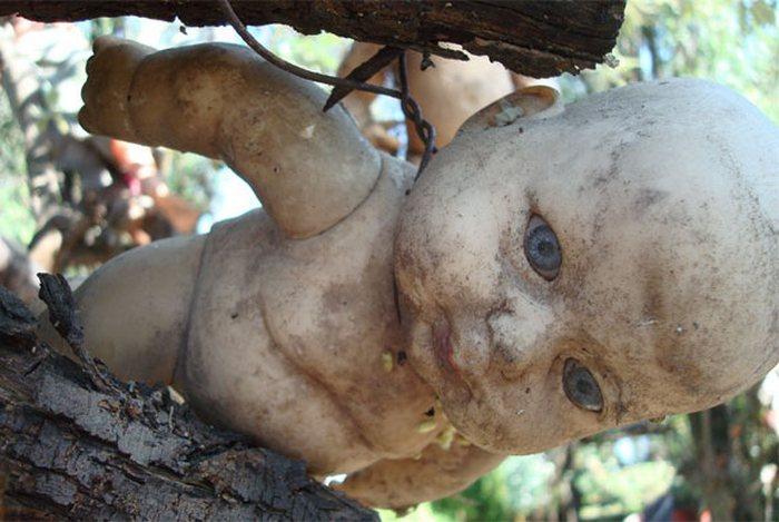 Когда куклы повсюду.