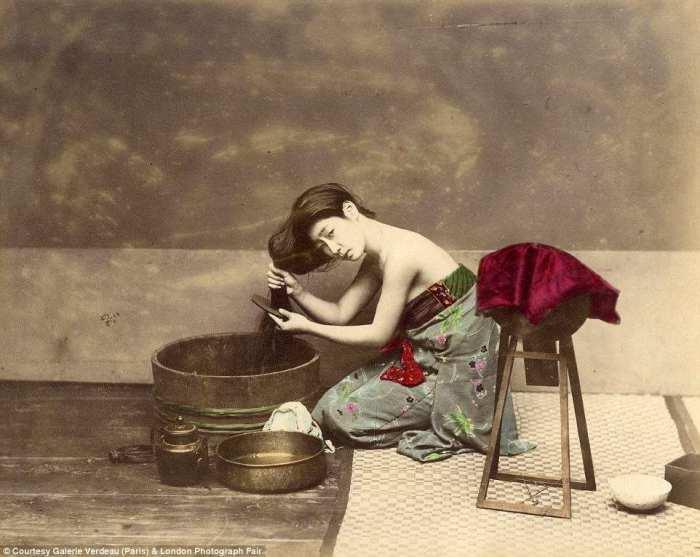 Умывание гейши.