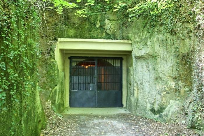 Пещеры Маастрихта: таинственный вход.