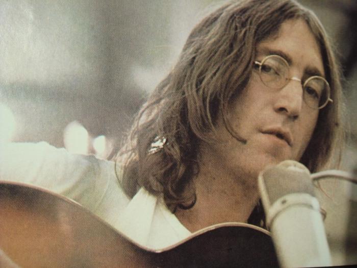 Джон Уинстон Леннон - человек из ниоткуда.