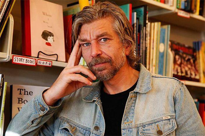 Карл Уве Кнаусгорд. | Фото: hm.com