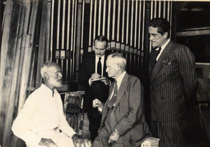 Граф Карл Танцлер фон Козель с доктором ДиПо и адвокатом Луи Харрисом.