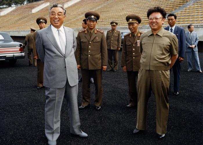 Лидер Ким Ир Сен с сыном Ким Чен Иром. 1989 год.