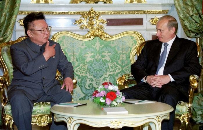 Президент России Владимир Путин и Ким Чен Ир. 2001 год.