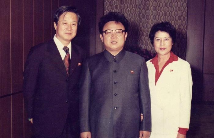 Син Сан Ок, Ким Чен Ир и Чой Юн Хи. 1963 год.