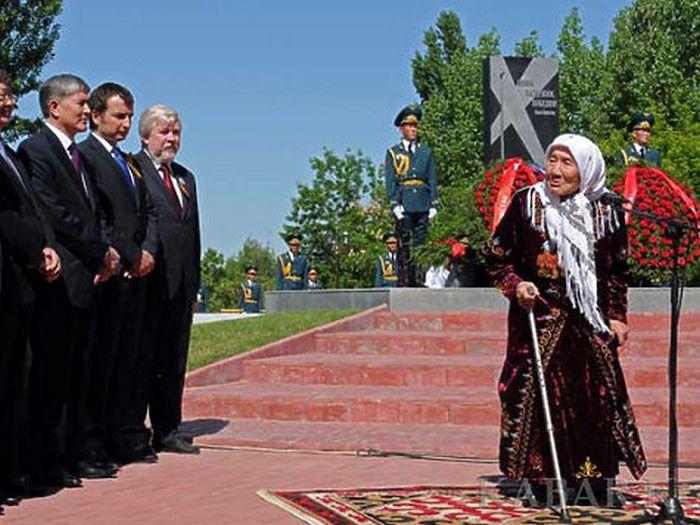 Токтогон Алтыбасарова - исык-кульская мама.