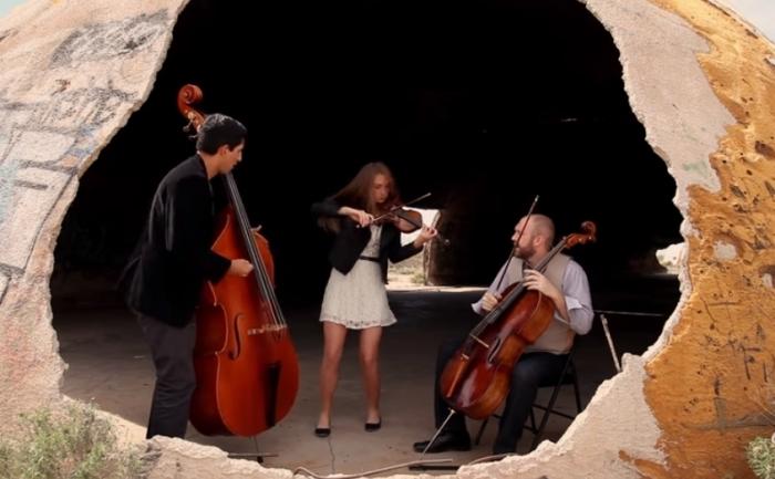«Rolling in the Deep»: классическое струнное исполнение песни Адель