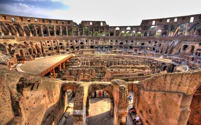 Колизей - свидетель величия Рима.