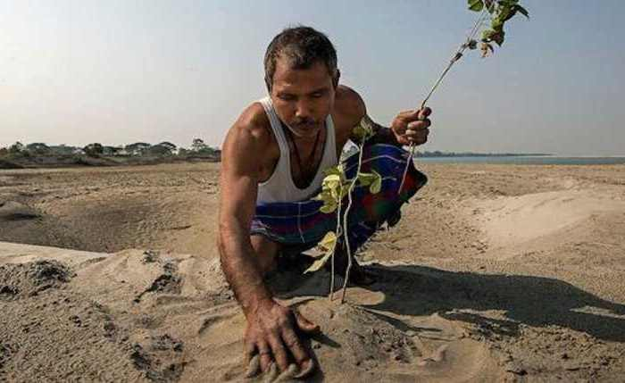 Джадав Пайенг - человек, предотвративший природную катастрофу.