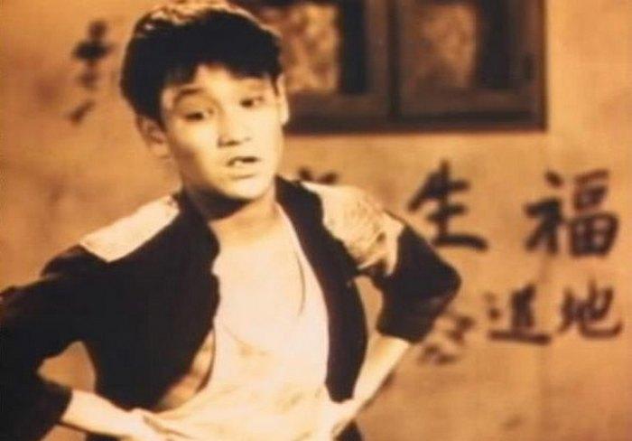 Брюс Ли в ранней юности.