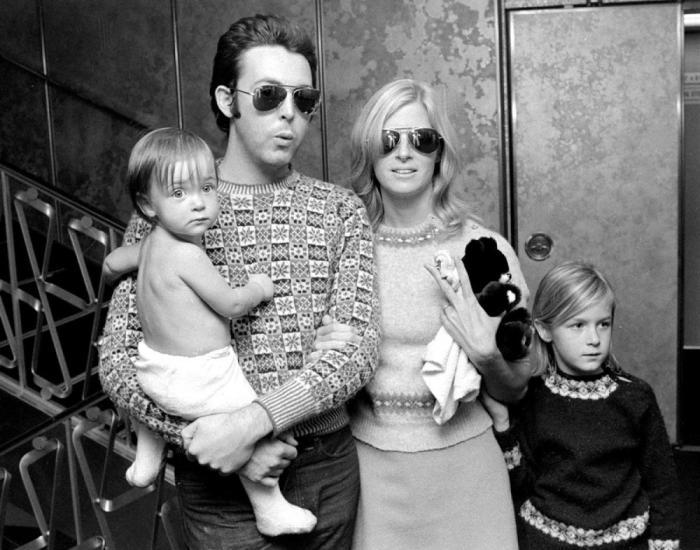 Пол и Линда с детьми. 1976 год.