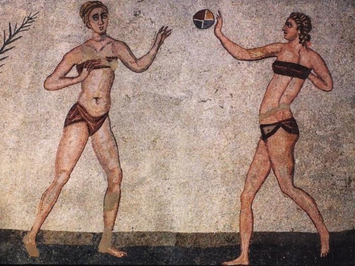 Впервые бельем начали пользоваться греки.